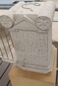 Weihestein für Hercules Saxanus (Römerbergwerk Meurin, Eifel)