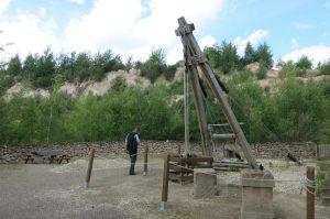 Der Außenbereich zeigt den römischen Arbeiteralltag an einem Bergwerk