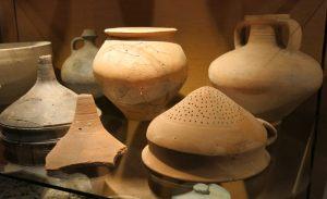 Sieb, Schalen, Krüge und Filter gehörten zur römischen Küche